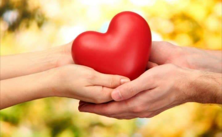 Inima mea în palmele tale: 5 paşi clari pentru a pune capăt certurilor nesfârşite în cuplu